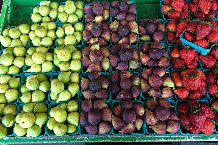 fruits figues fraises