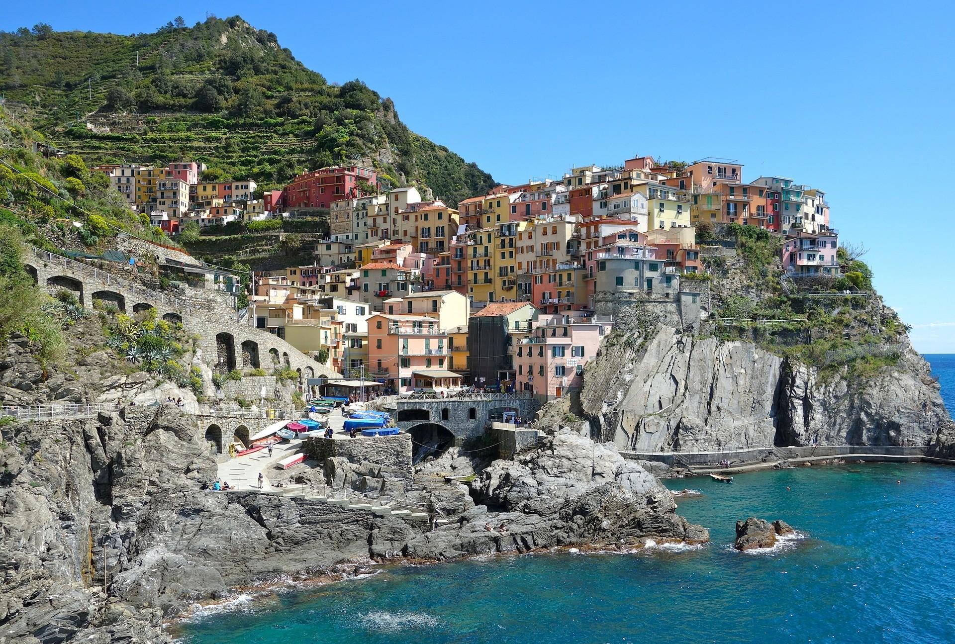 mediterranean village mediterraneenne