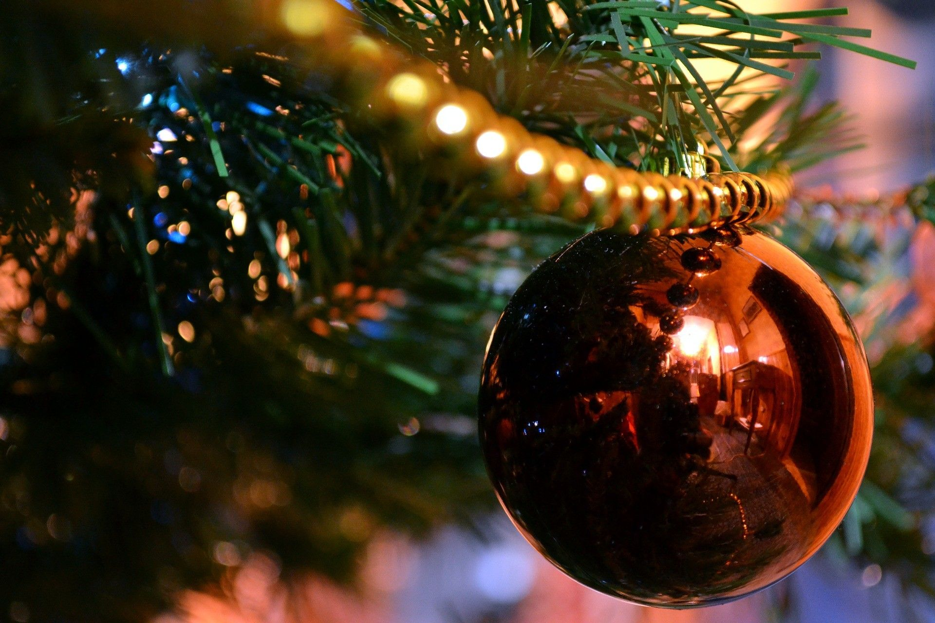 christmas-ball-750056_1920