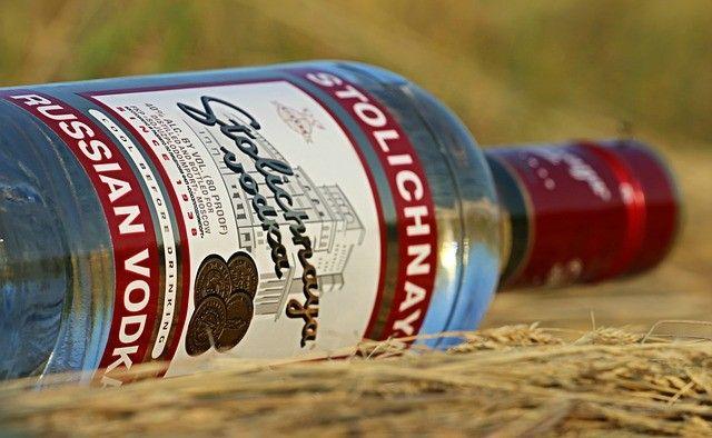 La vodka russe boycottée dans les bars au Canada