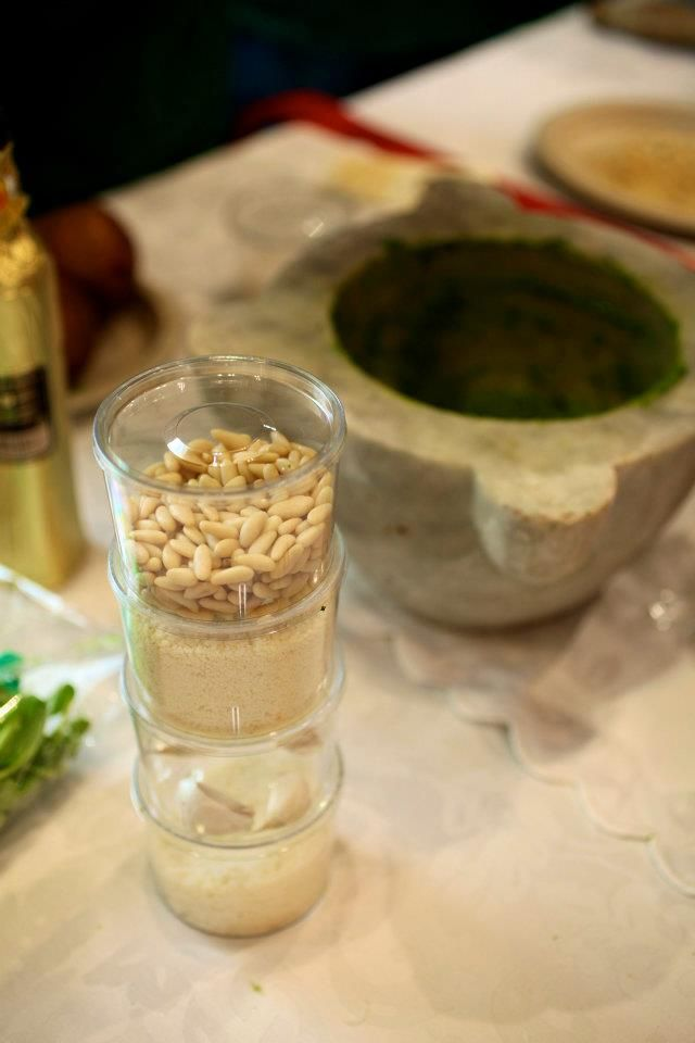 pesto and pinenuts, pesto et pignons de pin