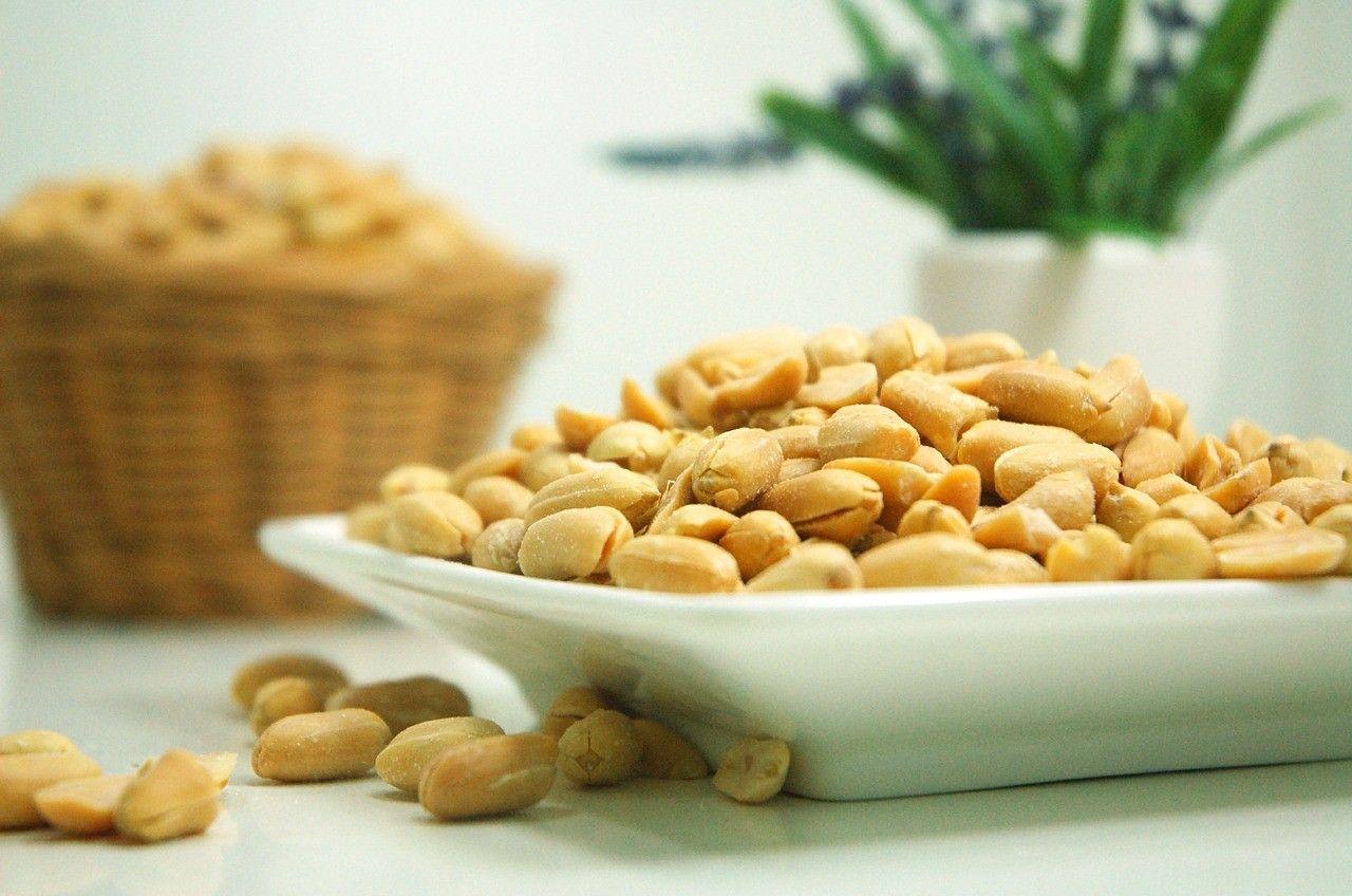 peanut arachide