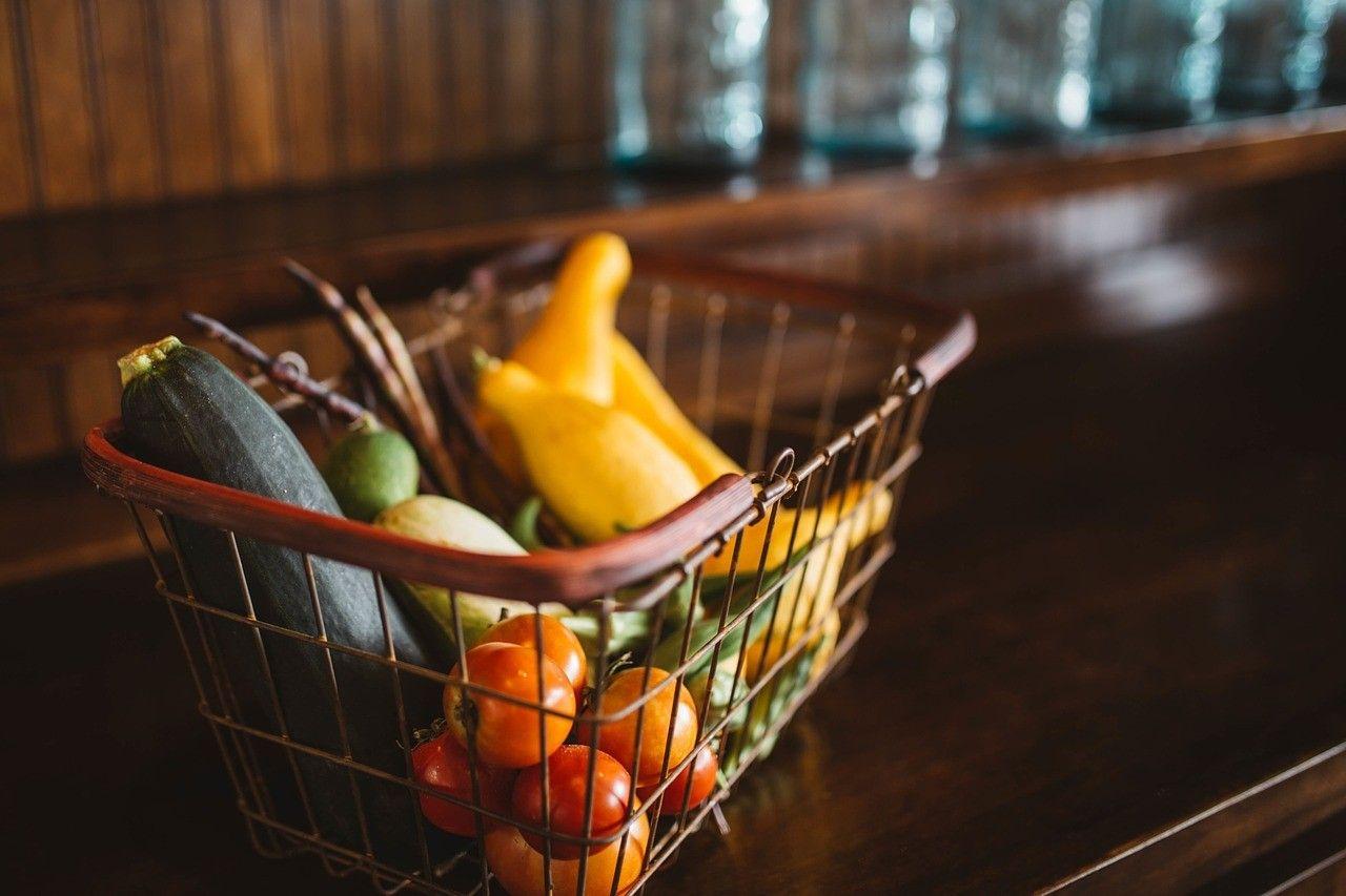 food basket, paniel d'aliments
