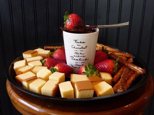chocolate fondue chocolat