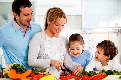 Family cooking, une famille cuininer