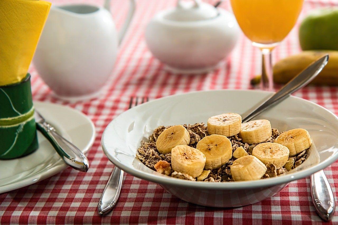 Healthy bowl of cereal, une bol de céreales santées