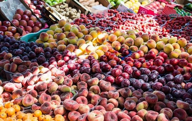 Eating local (and organic, if possible) to enjoy fruits and vegetables at their best