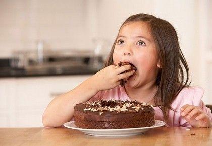girl-eating-cake