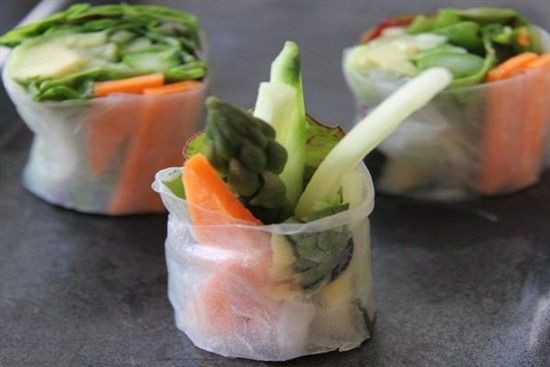 raw-veggy-sushis