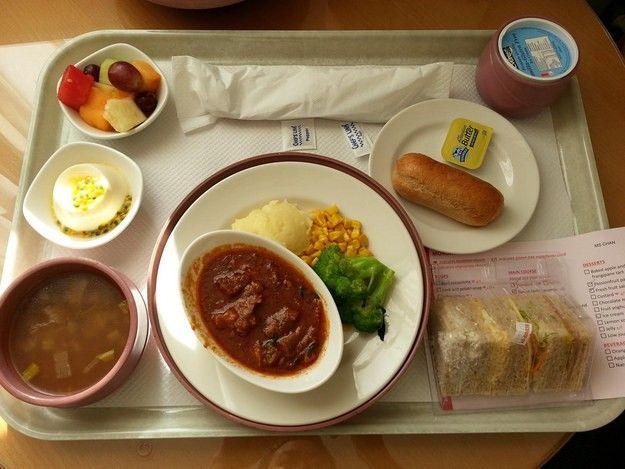 Ce que mangent les malades à travers le monde