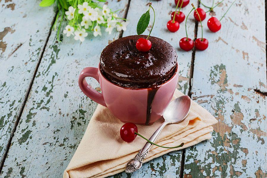 Gâteau dans une tasse: la tendance du moment