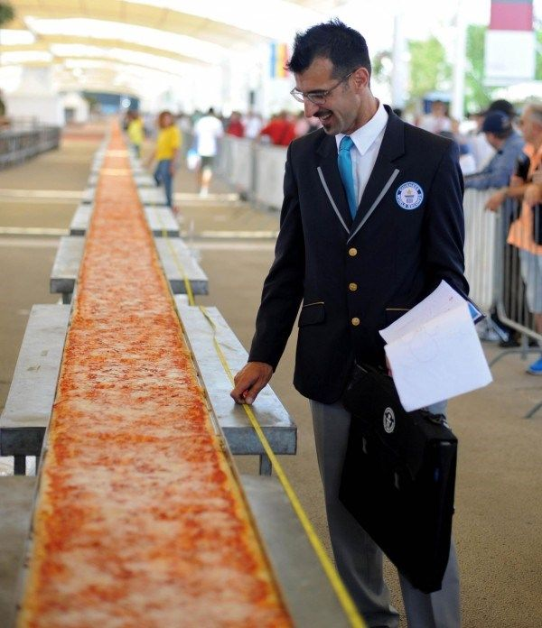 The world record for the longest pizza beaten at Expo Milano 2015