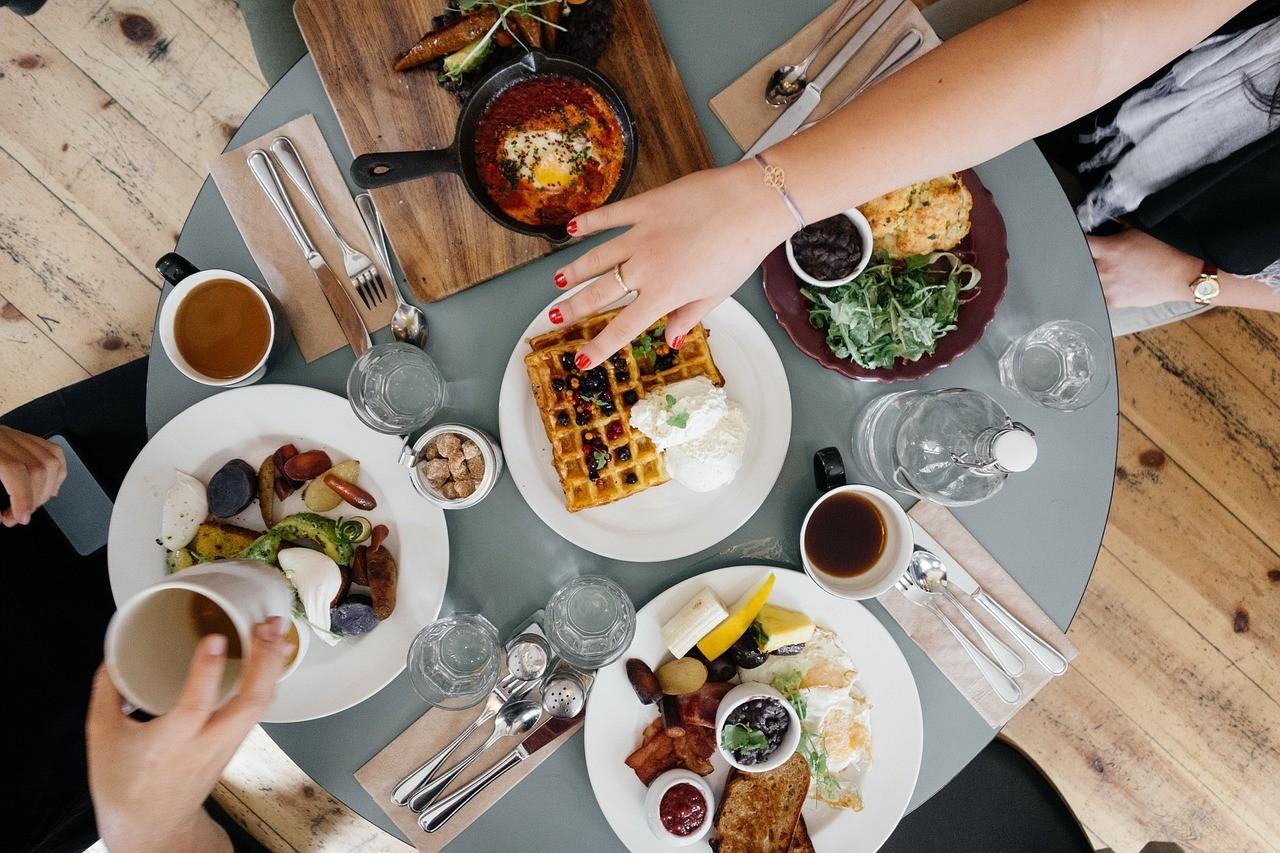 petit-déjeuner avec amis