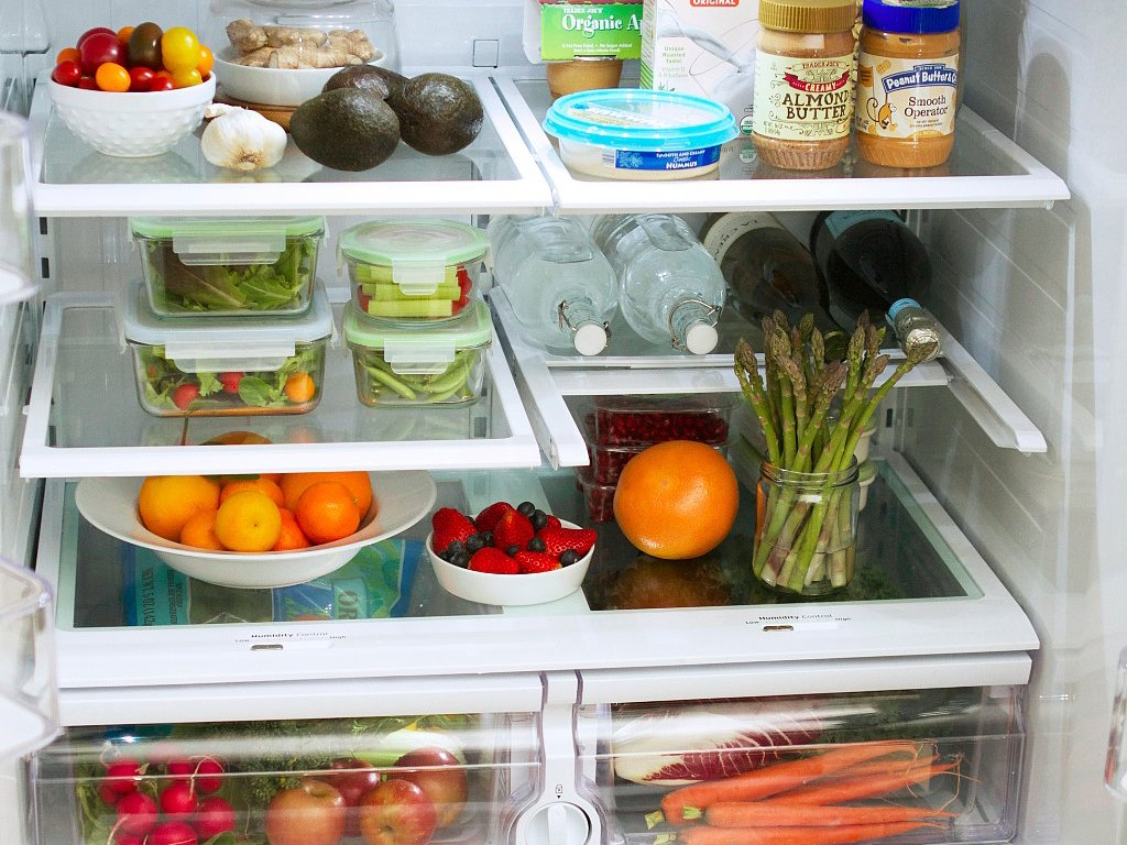Votre réfrigérateur est-il organisé pour faciliter une alimentation saine ? Is Your Fridge Stocked for Healthy Eating Success?