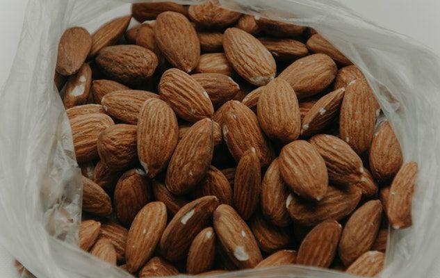 almonds amandes