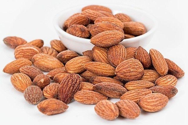 almonds-amandes