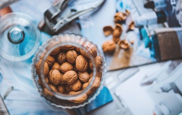 noix-grenoble-walnuts