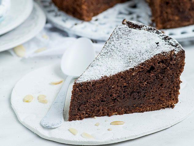 Pregnancy Recipes Almond-Chocolate Cake