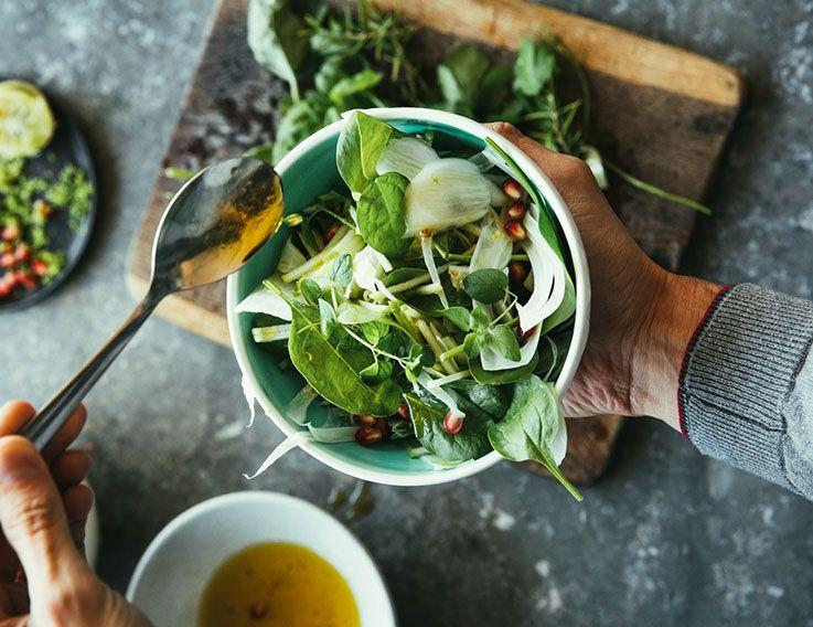 insalata-finocchio-misticanza-melagrana erbe e spezie carminative
